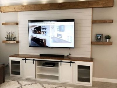 Built-in with floating shelves